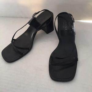 Gucci Size 8 Black Leather Sandals